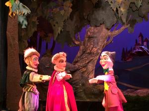 Les metamorphoses du prince charmant th tre des for Buvette des marionnettes du jardin du luxembourg