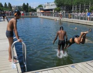 Baignade Autorisee Dans Le Bassin De La Villette Bassin De La