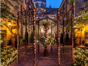 les jardins du marais s illuminent pour no l l 39 hotel les jardins du marais paris 75011. Black Bedroom Furniture Sets. Home Design Ideas