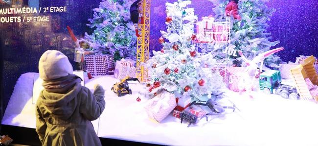 vitrines noel paris 2018 dates Vitrines de Noël des grands magasins   Grands magasins à Paris  vitrines noel paris 2018 dates