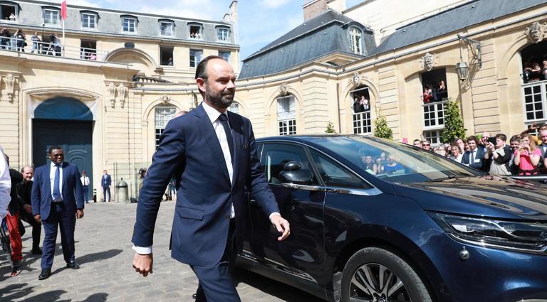 Passation De Pouvoirs Du Premier Ministre LHtel Matignon Entre Le Sortant Bernard Cazeneuve Et Nouveau Edouard