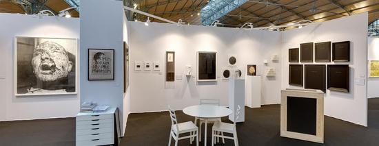 Yia art fair salon d 39 art contemporain carreau du for Salon art contemporain paris