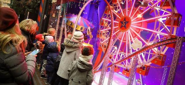 vitrine de noel paris 2018 galerie lafayette Vitrines de Noël des grands magasins   Grands magasins à Paris  vitrine de noel paris 2018 galerie lafayette
